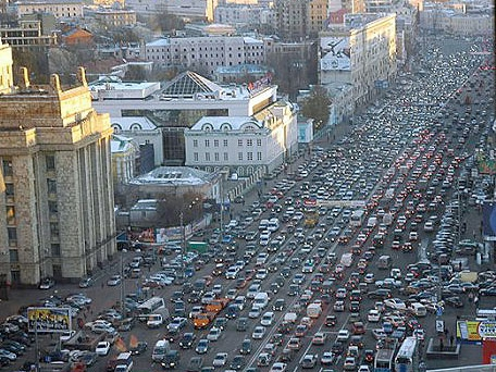 На каждого жителя России приходится по 0,225 автомобиля