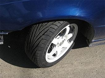 Синоптики рекомендовали водителям отложить переход на летние шины