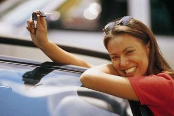 В Англии узнали, что женщины-автолюбители гораздо честнее мужчин