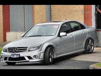 Конфискованный Mercedes-Benz Хэмильтона продан с аукциона