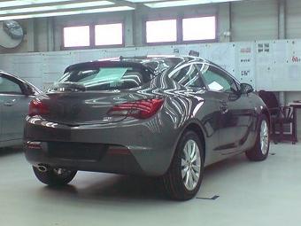 Фанаты досрочно рассекретили трехдверку Opel Astra