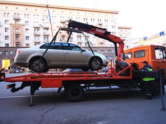 На Тверской начали эвакуацию машин из-за репетиции парада Победы