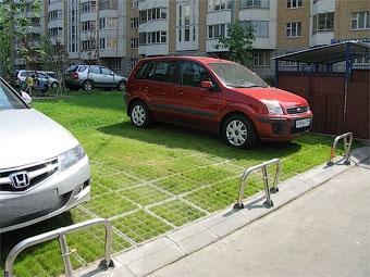 От московских префектур потребовали найти места под парковки