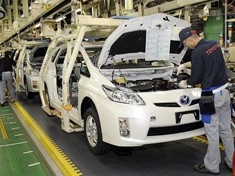 """Из-за землетрясения """"Тойота"""" недовыпустит полмиллиона машин"""