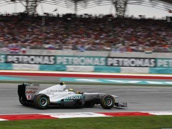 Шеф гоночного отделения VW посоветовал Mercedes построить новый болид