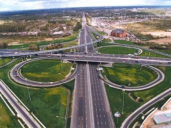 К МКАД пристроят 100 километров дорог