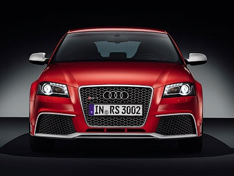 Названы российские цены на хэтчбек Audi RS3