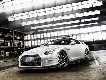 В России начался прием заказов на обновленный суперкар Nissan GT-R