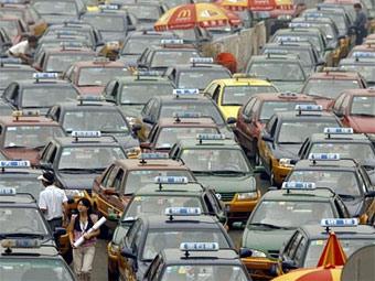 Китайский автомобильный рынок стал крупнейшим в мире