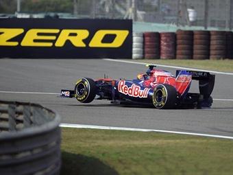 Toro Rosso оштрафовали за отлетевшее от болида Альгерсуари колесо
