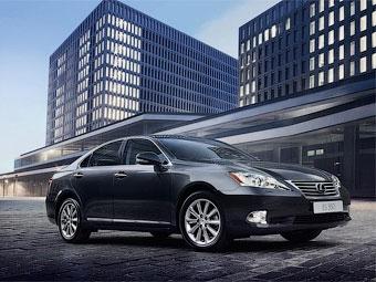 Компания Lexus объявила дату начала продаж в России нового седана