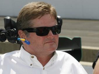 Парализованный гонщик купил команду серии INDYCAR