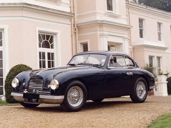"""Компания Aston Martin задумалась о возрождении рядной """"шестерки"""""""