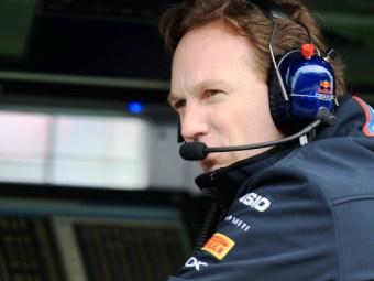 Глава команды назвал гибкие антикрылья болидов Red Bull законными