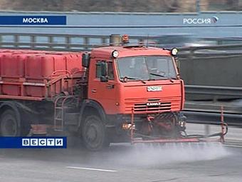 Московские дороги помыли с шампунем