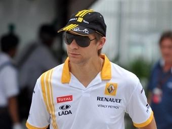 Продлить контракт с Renault F1 Петрову мешала операция