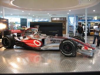 Голландские власти проверят легальность шоу-заездов команды McLaren