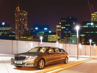 Mercedes E-Class превратился в шестидверный лимузин