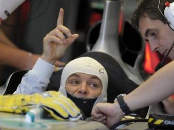Пилоту Mercedes GP не понравились покрышки Pirelli