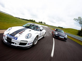 Компания Porsche превратила суперкар 911 GT3 RS в гоночный автомобиль