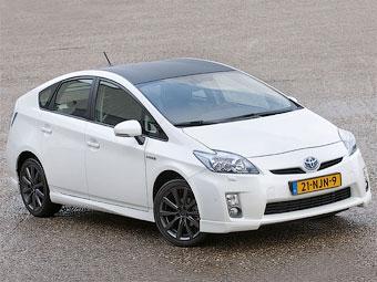 Компания Toyota решила придать гибриду Prius спортивный вид