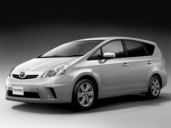 Появились первые изображения компактвэна Toyota Prius