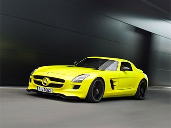 Суперкар Mercedes-Benz SLS AMG перевели на электротягу