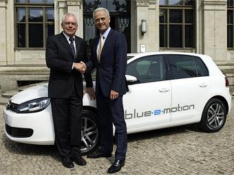 Volkswagen показал Ангеле Меркель электрокар на базе Golf