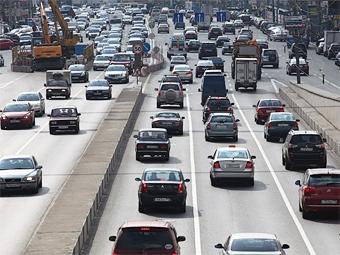 Правительство Москвы пообещало сократить пробки к марту 2011 года