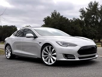 """Электрический седан Tesla приступил к """"альфа-тестированию"""""""