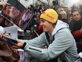 Команда Red Bull выплатила Феттелю премию в 3 миллиона евро