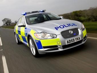 Jaguar XF отправили патрулировать дороги Великобритании