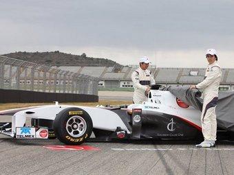 Команда Sauber F1 представила черно-белый болид для нового сезона