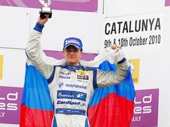 Михаил Алешин выиграл серию Формулы-Рено