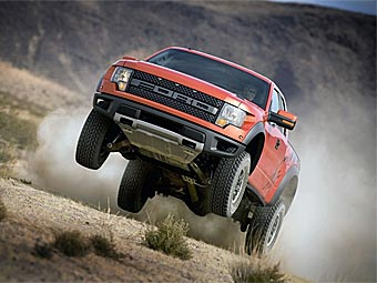 Ford приостановит производство самых популярных в США автомобилей