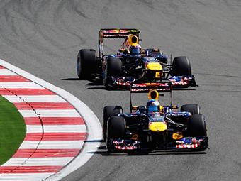 В Red Bull объяснили причины отставания Уэббера от Феттеля