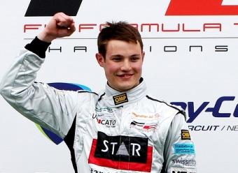 Кристофер Занелла одержал первую победу в Формуле-2