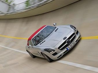 Mercedes-Benz рассекретил родстер SLS AMG