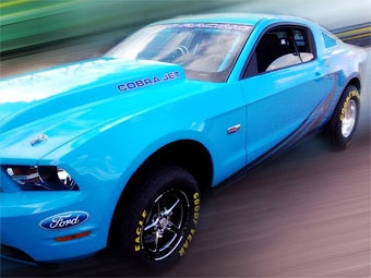 Компания Ford обновила дрэговый Mustang
