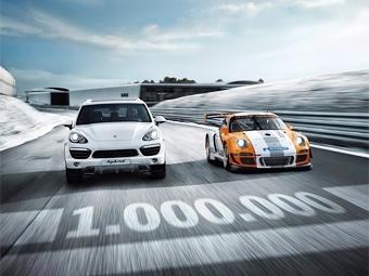 Porsche разукрасит машину именами миллиона своих поклонников в сети Facebook