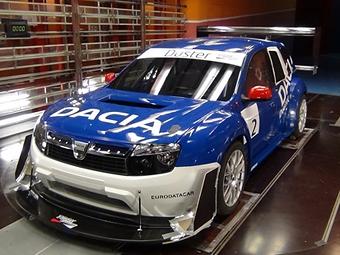 """""""Ледовый"""" гонщик показал 850-сильный кроссовер Dacia Duster"""