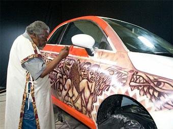 Известный мозамбикский художник разукрасил Fiat 500
