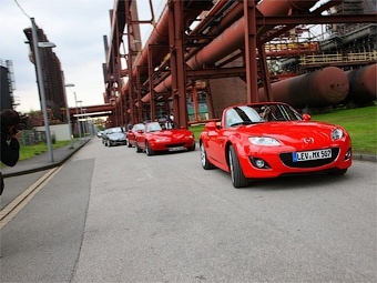 Родстеры Mazda MX-5 установили рекорд Гиннесса