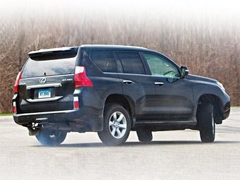 Toyota обновит программу системы стабилизации на своих внедорожниках