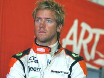 Команда Mercedes пригласила Сэма Берда на тесты Формулы-1