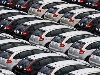 В марте импорт автомобилей в Россию вырос на треть