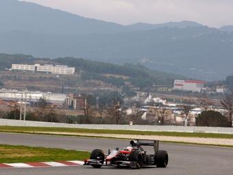 Последние тесты Формулы-1 отложили на один день