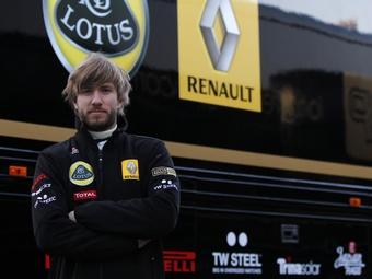 Команда Renault подтвердила контракт с Ником Хайдфельдом