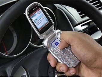 Американских дальнобойщиков будут штрафовать за SMS-переписку за рулем