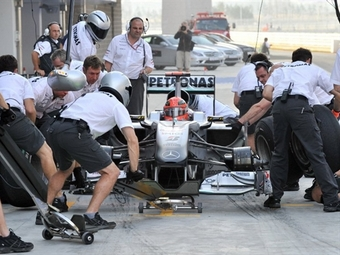 Команда Mercedes GP оказалась самой быстрой на пит-лейн